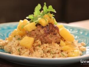 Húsgombócok curry mártásban hamis rizzsel