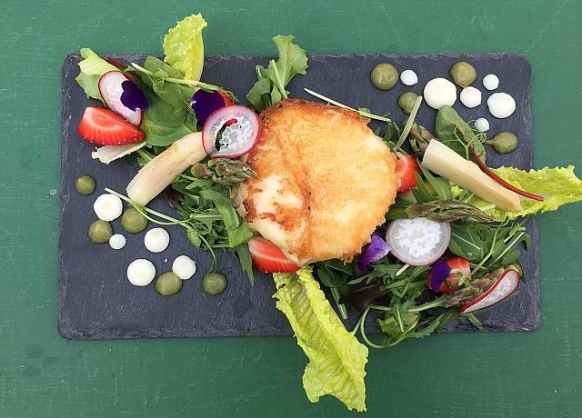Indul a spárga és az eperszezon! Jöjjön egy dobjukösszegyorsan saláta a Pasi Spájzból