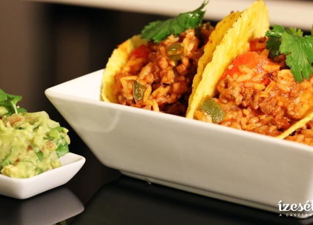 Darált húsos taco guacamoleval