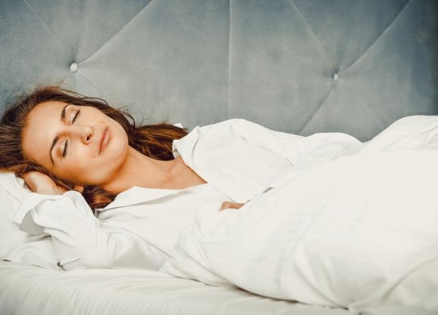 6 trükk, hogy könnyebben álomba zuhanjunk