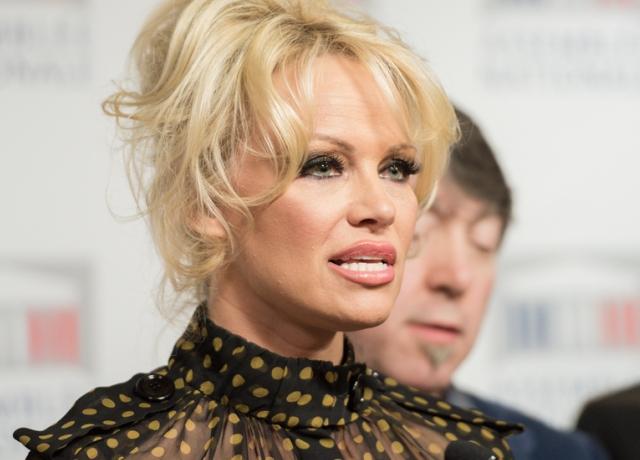 Pamela Anderson kiáll a veganizmus mellett