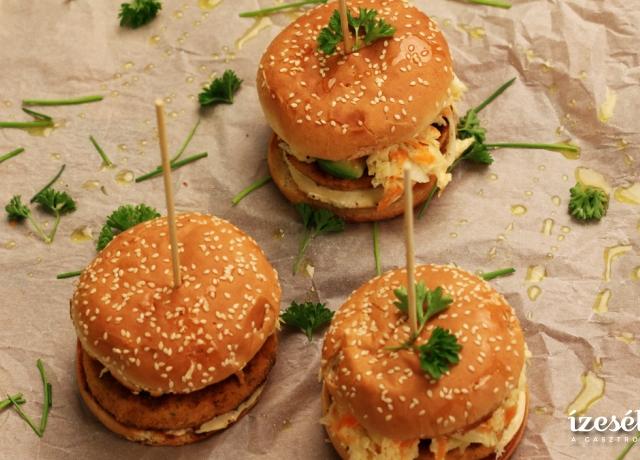 Lazac burger káposztasalátával