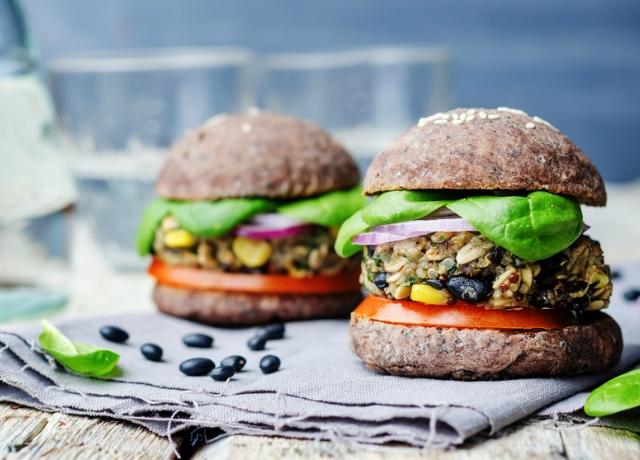 Vegetáriánus hamburger isteni citrusos öntettel