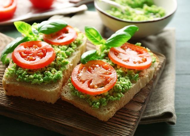 Ez garantáltan egy szuper avokádós recept, ugyanis Yotam Ottolenghi egyik remeke