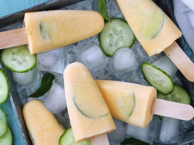 Sárgadinnyés-uborkás ice pop