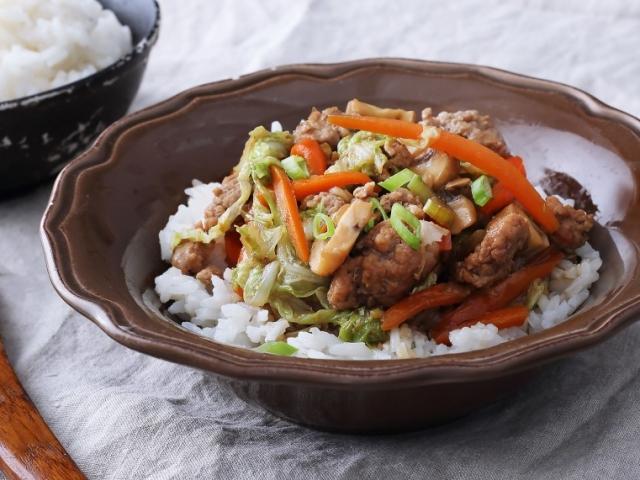 Ismeritek a chop suey-t? Ez a kínai rizses hús, egy igazi maradékmentő fogás!
