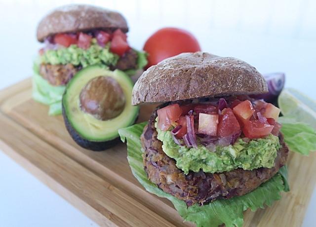 Mexikó ihlette isteni vörösbabos burger