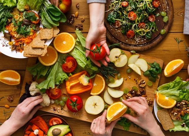 7 dolog, melyeket tudnunk kell, mielőtt egy baráttal diétázunk