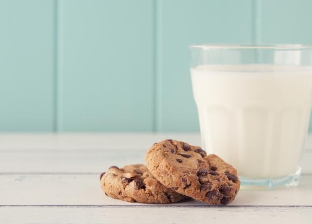 Ennyi ideig kell áztatni a tejben a kekszet