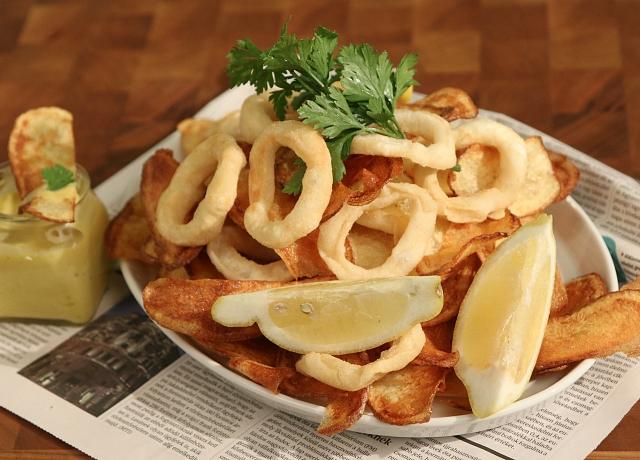 Kalamári fritti sült krumplival, házi majonézzel