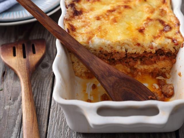 Isteni finom és szaftos húsos-tésztás fogás a Pastitsio – a görög rakott tészta