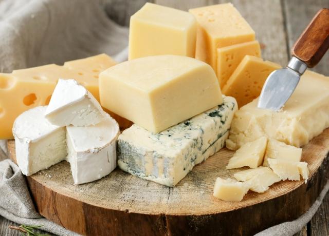 Sajtrajongók figyelem: a sajt is superfood lett