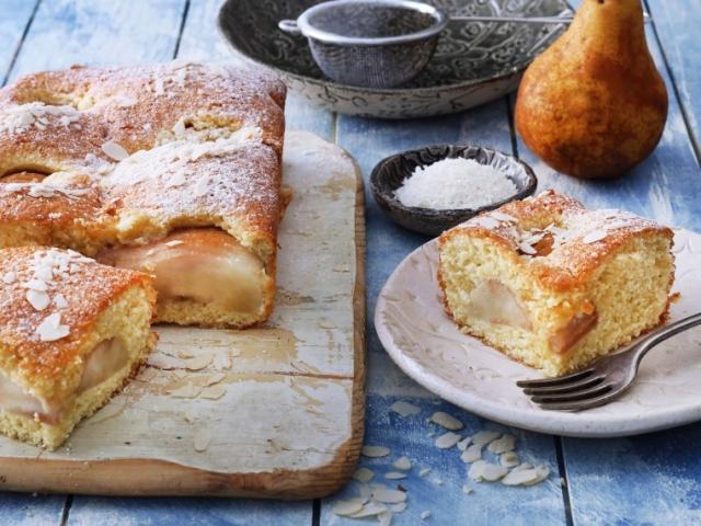Pihe-puha és illatos ez a körtés-kókuszos süti!