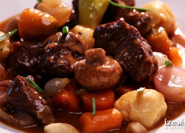 Sörös marharagu krumpligombóccal