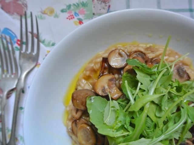 Ezzel az étellel csapunk bele a téli lecsóba: Erdei gombás risotto
