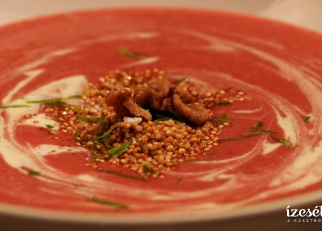 Szilvakrémleves pirított fahéjas quinoával