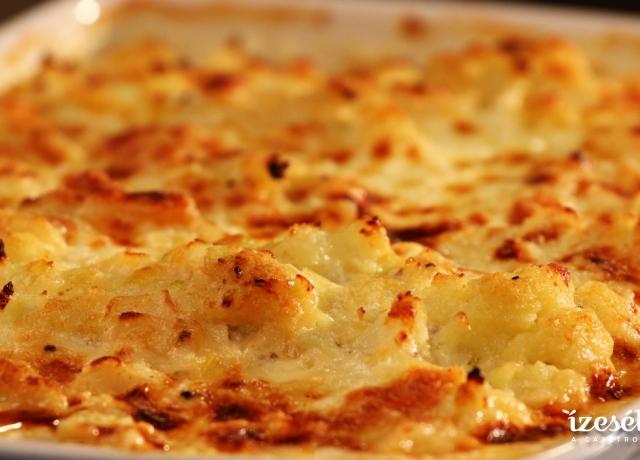 Sütőben sült karfiolos csirkecomb, asiago sajttal