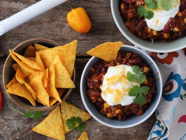 Gyors, de laktató és melengető fogás: Chili con carne, mellé pedig roppanós tortilla