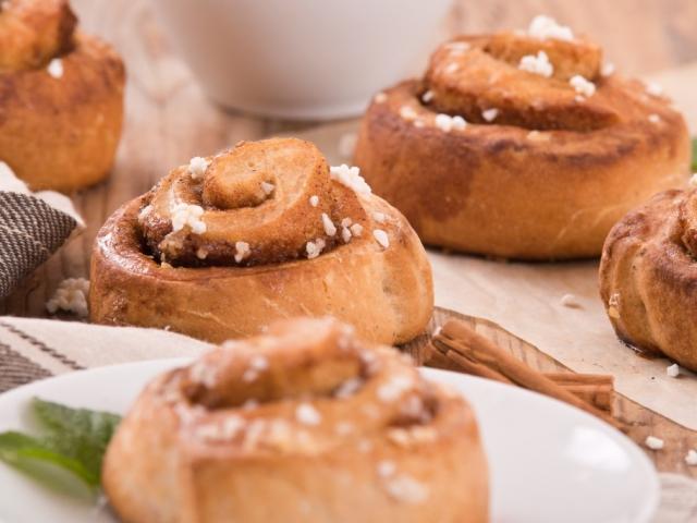 Fahéjas csiga muffin formában
