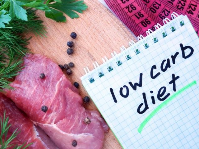 Az alacsony szénhidráttartalmú diéta 4 előnye