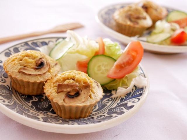 Gombás-sajtos muffin