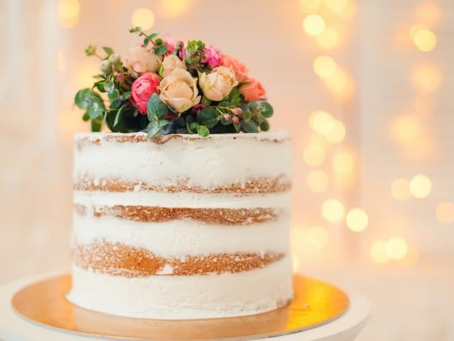 Meghan Markle és Harry herceg esküvői tortája