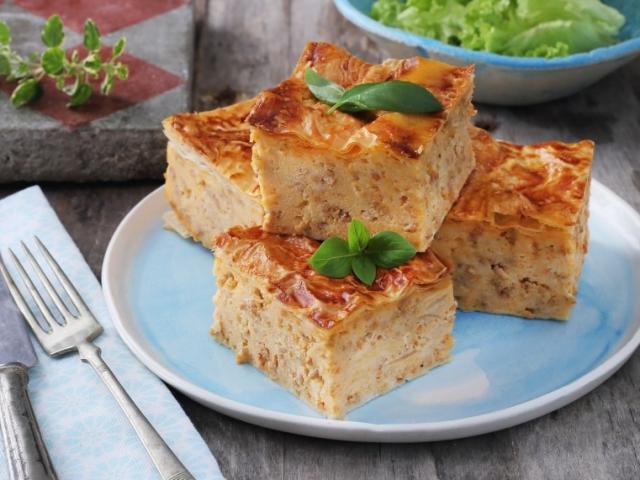 Sajtos-húsos rakott tészta