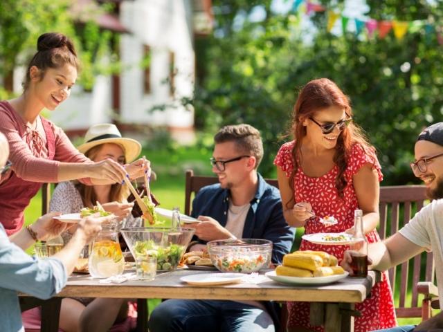 Így rendezzünk trendi kerti partyt 2018-ban