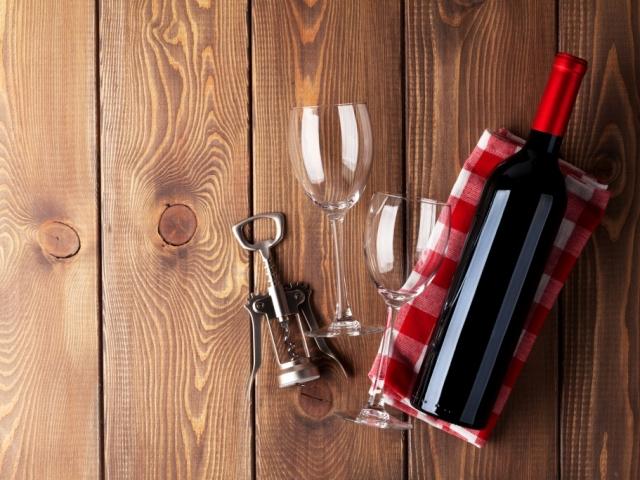 Ezzel a trükkel elvehetjük a bor kellemetlen mellékízét