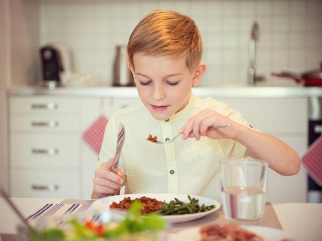 Salátavészhelyzet adódott egy kisgyereknél