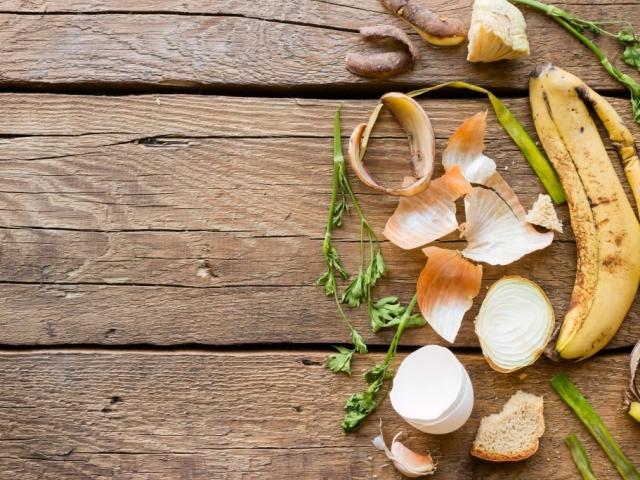 Hogy használd a zöldség és gyümölcshéjakat
