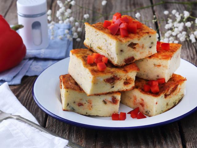 Kapros-sajtos töklepény