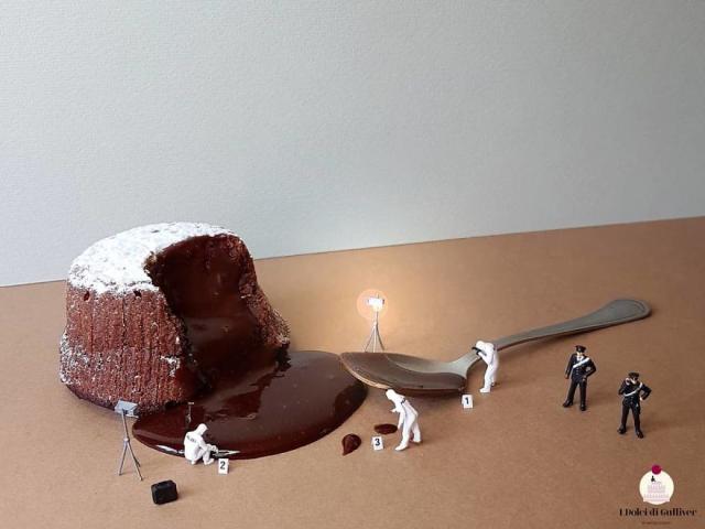 Óriás desszertek miniatűr emberekkel
