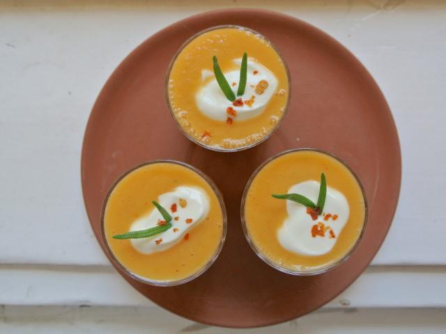 Fűszeres sárgadinnye leves