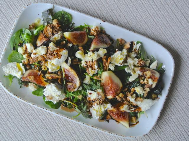 Füge salátában