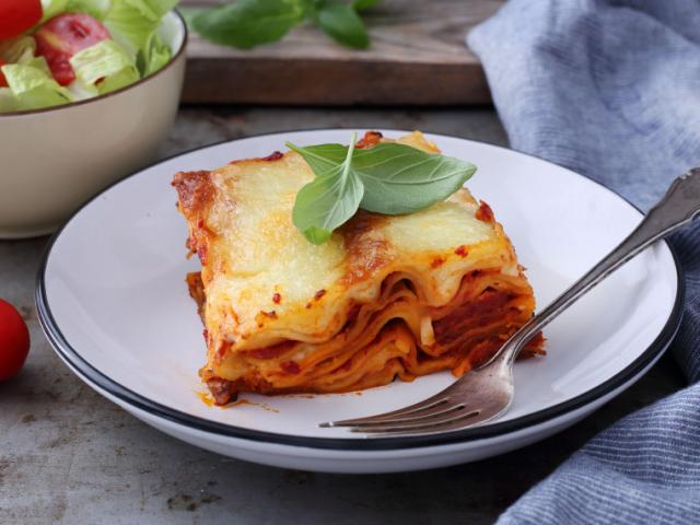 Kolbászos lasagne
