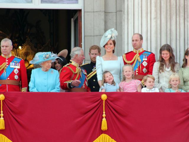 II. Erzsébet asztalánál – A brit uralkodói család táplálkozási szokásai