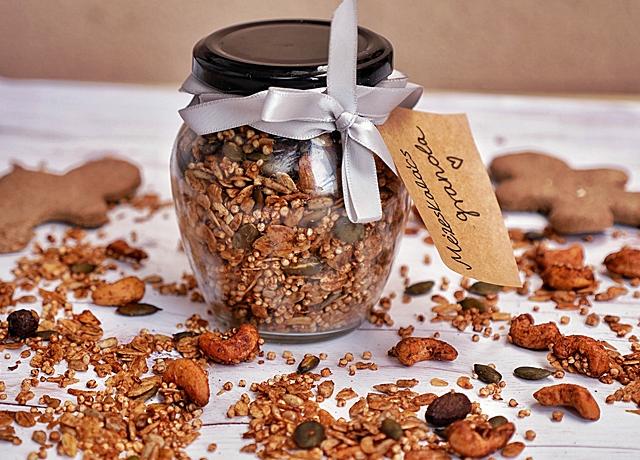 Mézeskalács granola