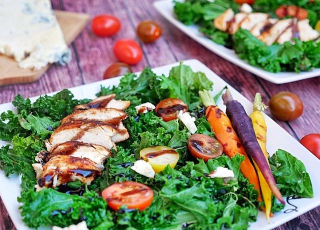 Csirkés fodros kel saláta