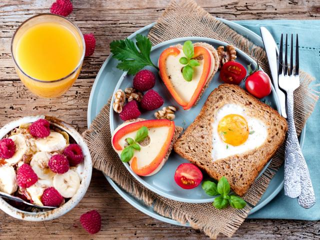 Készülj szívecskés tányérokkal a Valentin-napra!