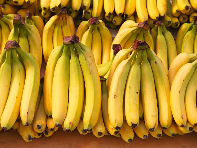 Érett vagy kevésbé érett banán? Melyik az egészségesebb?