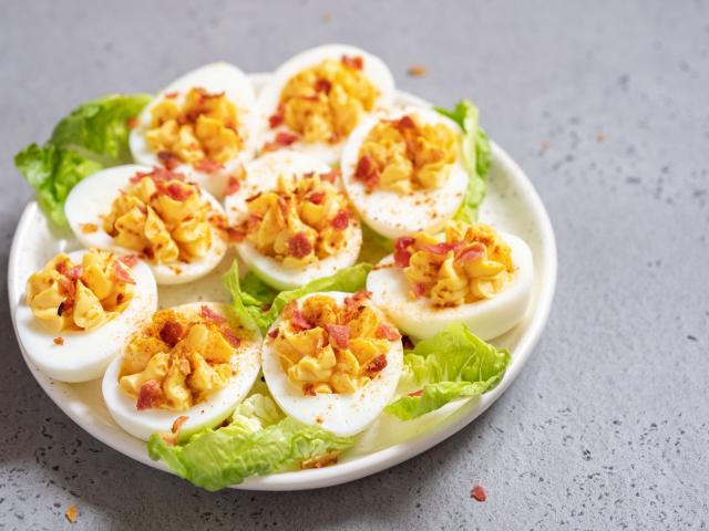 Variációk töltött tojásra