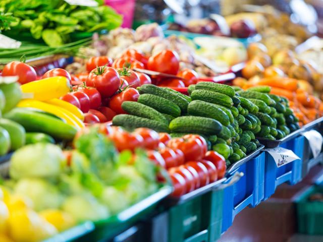 Vásárlás, feldolgozás, tárolás – ezekre figyeljünk, ha zöldség és gyümölcs kerül a kosarunkba
