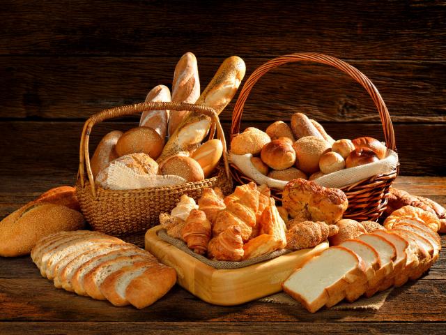 A péksüti két élete – vegyünk belőle többet, szikkadt kenyérféléből is készíthetünk finomat!