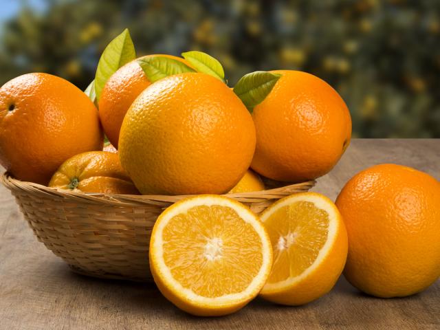 Gondoltad volna? Azon kívül, hogy egészséges és finom, még a háztartásban is hasznát vehetjük a narancsnak!