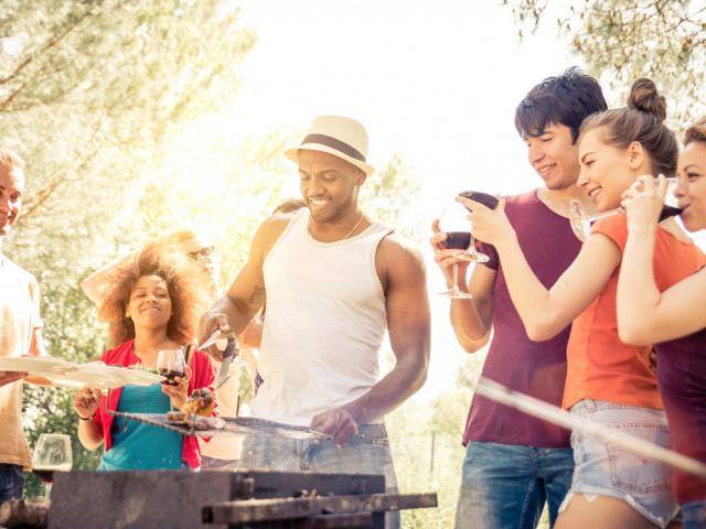 Mi történik a testünkkel, ha alkoholt fogyasztunk a nagy melegben?