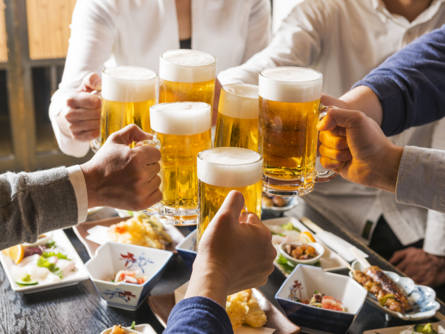Helló, péntek! Szuper hírrel szolgálhatunk a hétvégére: a sör egészséges!