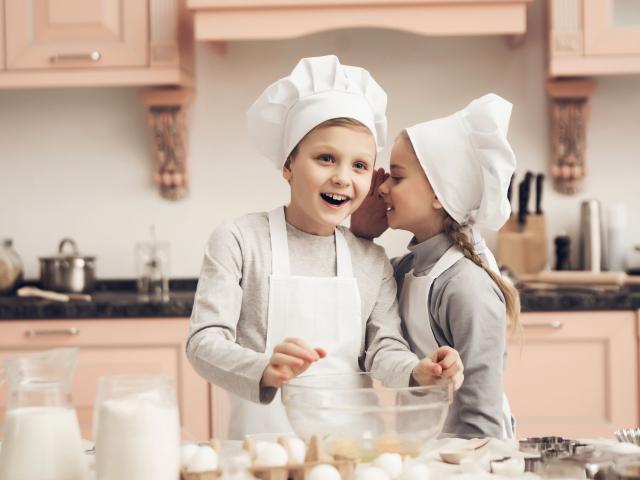 Apró trükkök a konyhában: jelentéktelennek tűnnek, mégis rengeteget segíthetnek