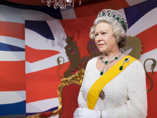 II. Erzsébet új szakácsot keres