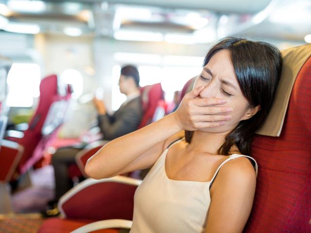 Utazási rosszullét? Ezek az ételek és italok segíthetnek